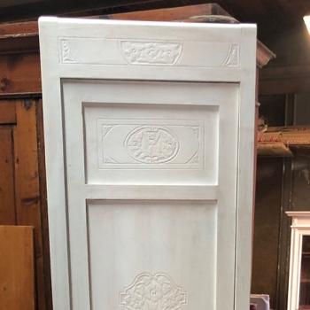 Armadietto con cassetto e ripiano interni bianco shabby sinistro