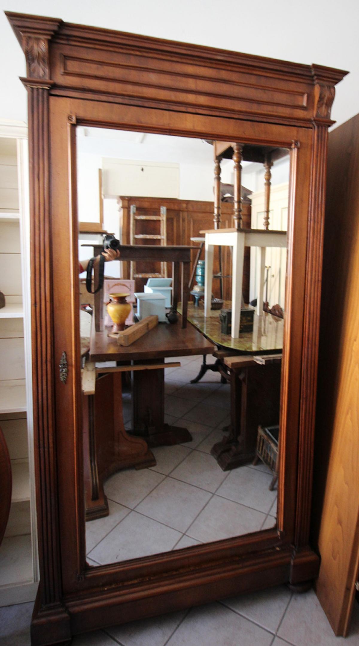 Armadio Ad Un Anta.Antichita Toscana Armadio Ad Un Anta Con Specchio