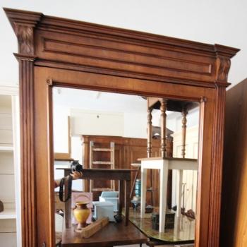 Armadio ad un'anta con specchio