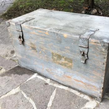 Baule toscano antico originale in abete grigio consumato
