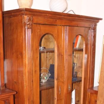 Cristalliera libreria con vetri stondati