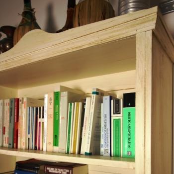Libreria a giorno in abete