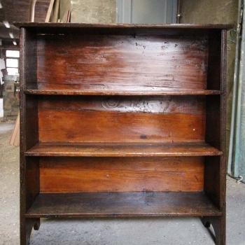 Libreria in castagno antica robusta