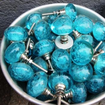 Pomello in vetro blu