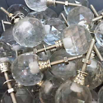 Pomello in vetro trasparente a sfera