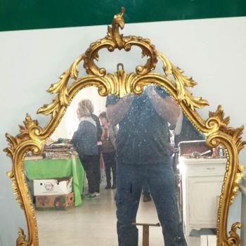 Specchiera intagliata dorata