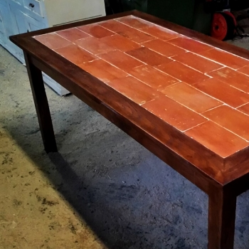 Tavolo con mezzane toscano
