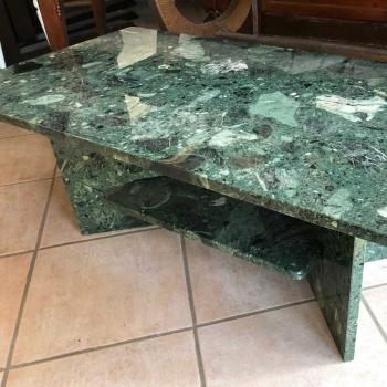 Tavolo da fumo raro in marmo verde