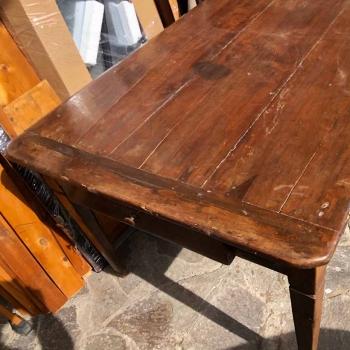 Tavolo in noce massello antico