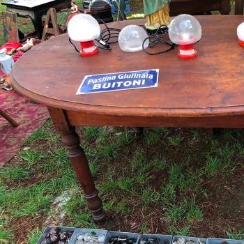 Tavolo originale toscano con zampa tornita