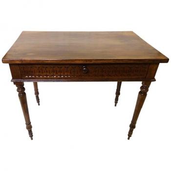 Tavolo scrivania originale in noce con intagli del 1880