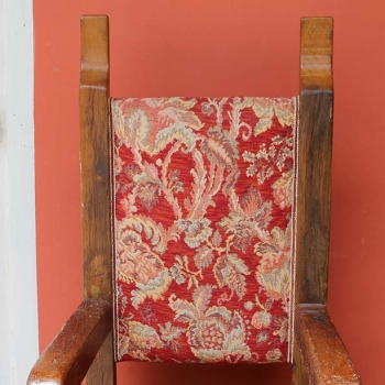 Trono in quercia con stoffa damascata